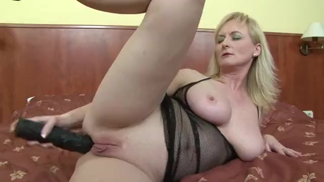 young brunette blowjob