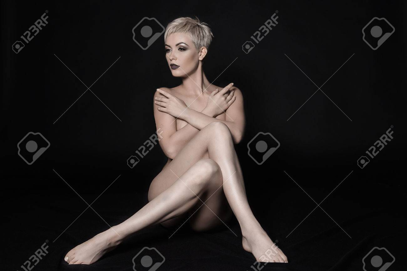 Nude women with long legs pics